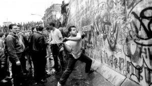 berlin duvarı, berlin duvarı neden yıkıldı, berlin duvarı ne zaman yıkıldı